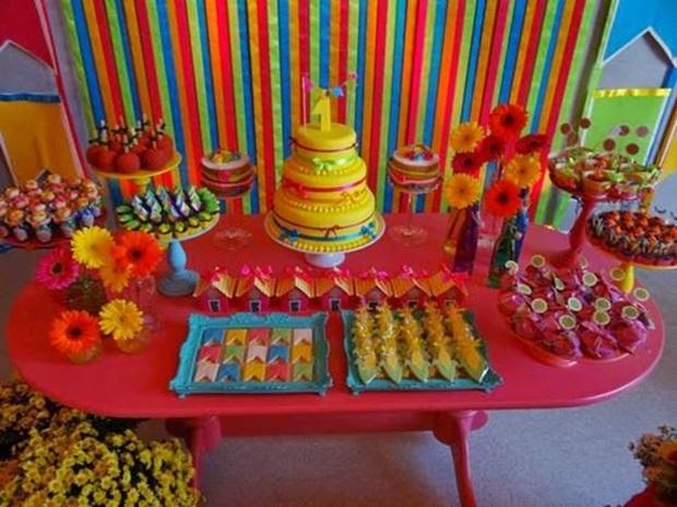 ideia-de-mesas-de-doces-para-festa-infantil-transforme-sua-casa-14
