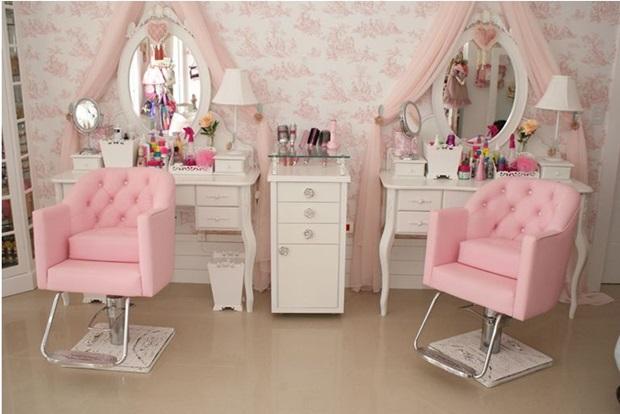 Decorar salão de beleza pequeno 7