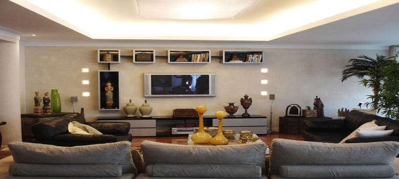 Decora o de sala de estar com estantes como fazer for Modelos de modulares para sala