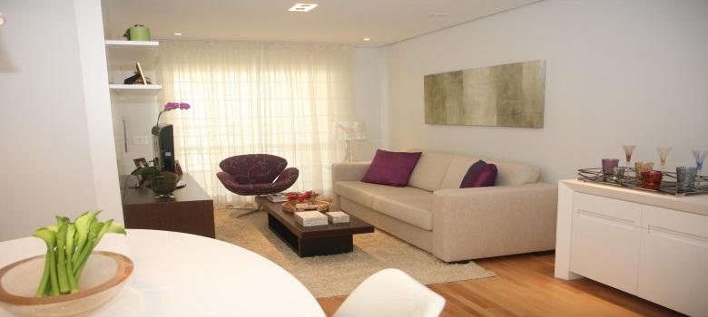 Decora o de sala de estar bonita e simples como fazer for Fotos de sala de estar simples