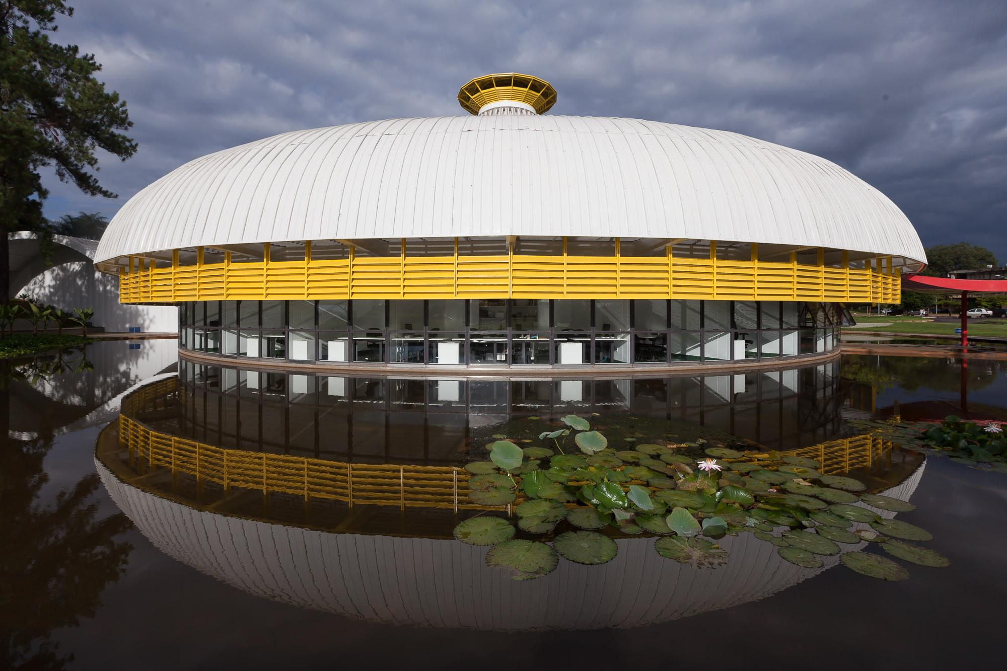Arquitetura Contemporânea no Brasil Memorial Darcy Ribeiro-Beijódromo da UnB - Lelé