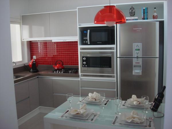 cores-para-cozinha-dicas-fotos-parede-pequena-planejada-3