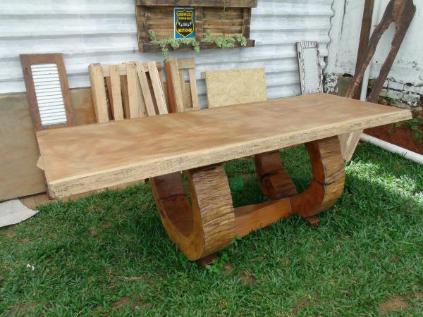 Mesas r sticas de madeira como escolher para churrasco for Mesas rusticas