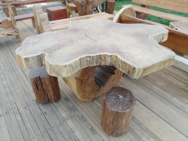 mesas-rusticas-de-madeira-como-escolher-para-churrasco-decoracao-2
