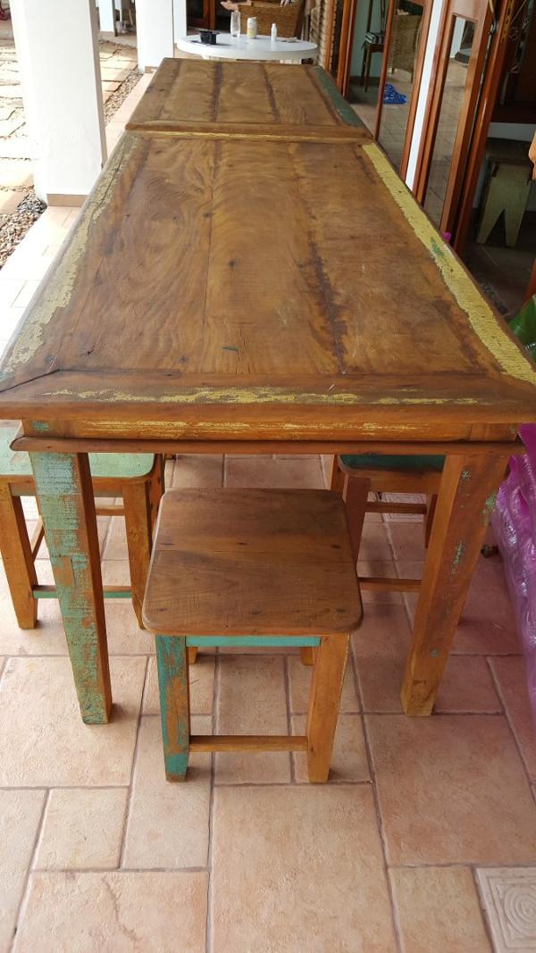 Mesas r sticas de madeira como escolher para churrasco for Mesas para bar rusticas