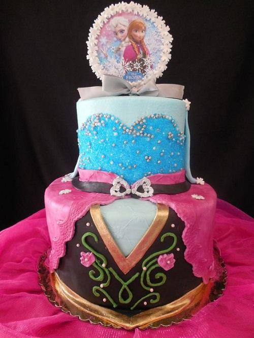 Bolos de aniversário congelados Elsa e vestidos de Ana