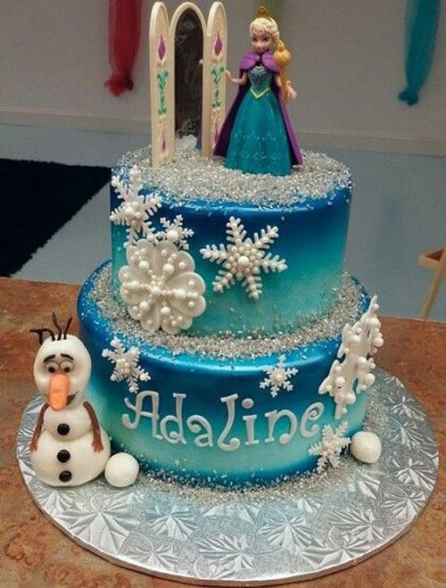 Ana Bela e Olaf congelado o bolo de aniversário