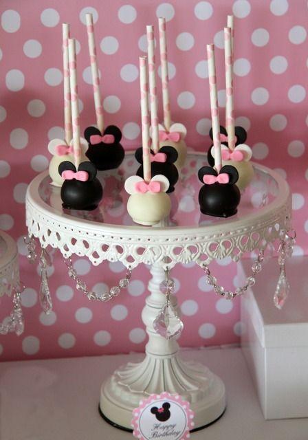 Festa da Minnie: bolo e docinhos