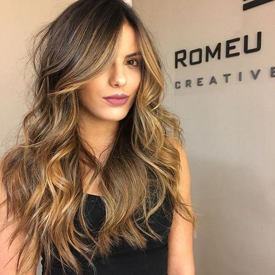 cores de cabelo feminino Castanho iluminado