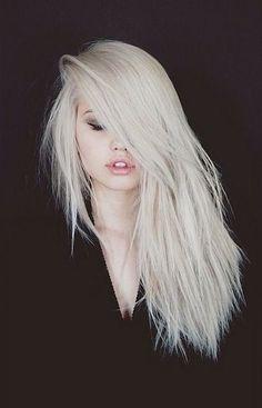 cores de cabelo feminino Loiro Platinado