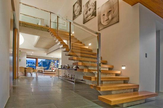 Escadas internas: descubra a ideal para a sua casa! 10