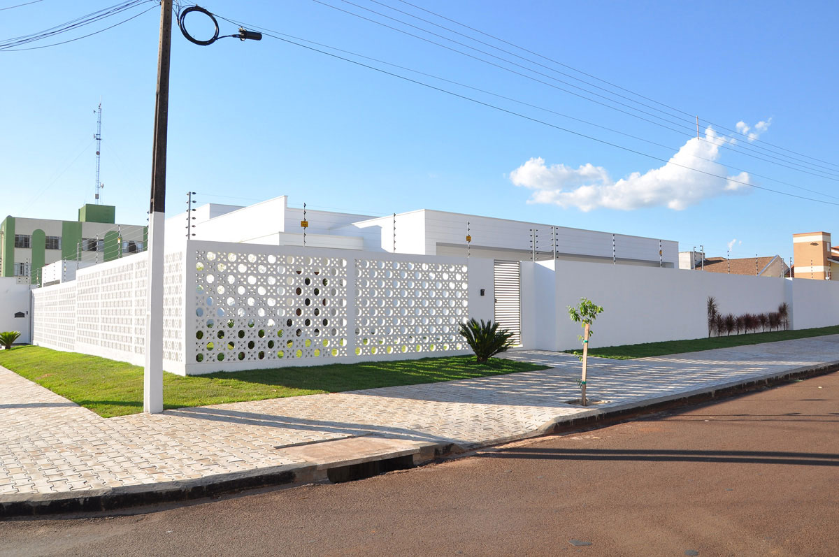Modelos de muros e fachadas residenciais para você se inspirar! 7