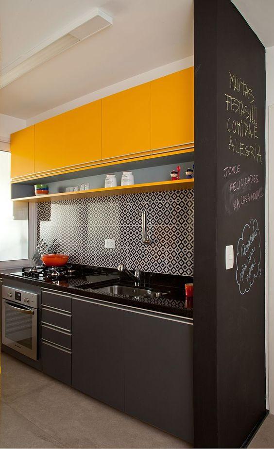 Cozinhas corredor bem organizadas: dicas infalíveis para a sua casa!