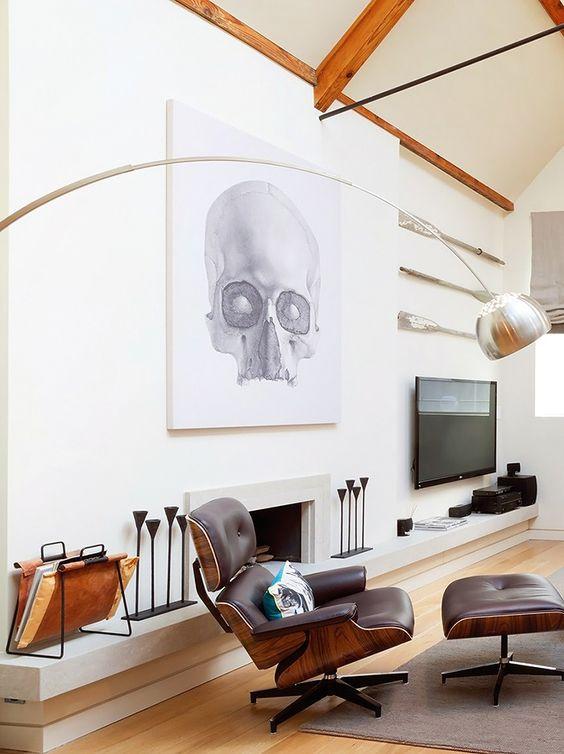 poltrona Charles Eames na sala de tv